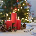 festive-table-decoration-ideas-christmas-table-decor-red-candles-cones